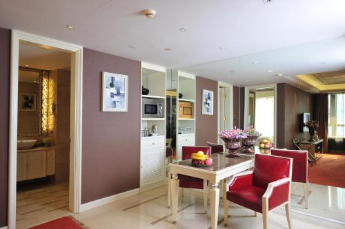 Wealthy All Suite Hotel Suzhou photo 27