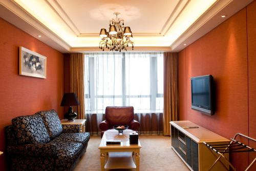 Wealthy All Suite Hotel Suzhou photo 35