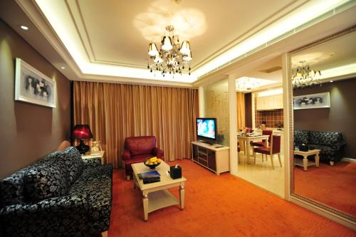 Wealthy All Suite Hotel Suzhou photo 40