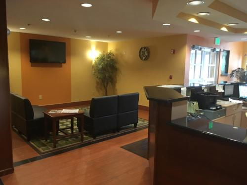 Microtel Inn by Wyndham - Albany Airport Photo