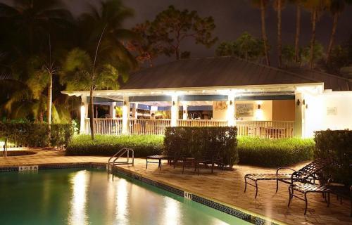 Trianon Bonita Bay Hotel Photo