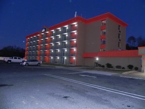 Howard Johnson By Wyndham Lexington Hotel