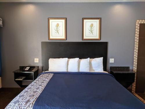 Americas Best Value Inn - Brownsville Photo