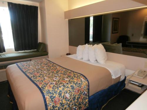 Americas Best Value Inn And Suites-mcdonough - McDonough, GA 30253