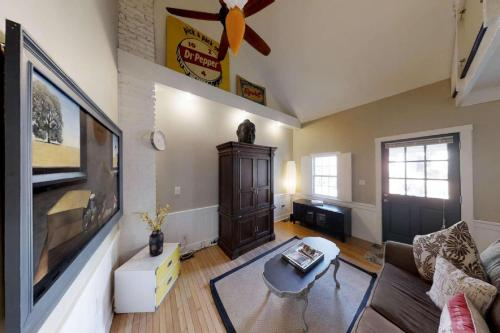 537 E. Gordon Street - Savannah, GA 31401