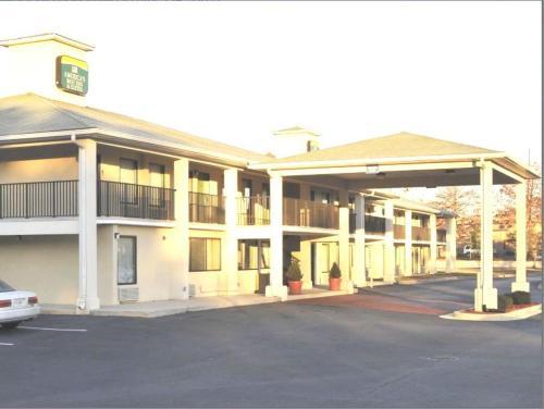 America's Best Inn & Suites - Decatur - Decatur, GA 30032