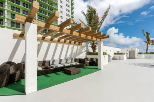 Opera Tower - Miami, FL 33132