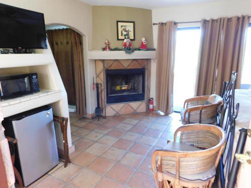 Full Circle Ranch B&b Inn - Cave Creek, AZ 85331