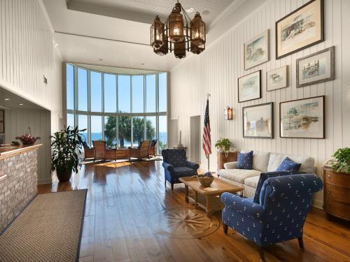 Hampton Inn & Suites Myrtle Beach Oceanfront Photo