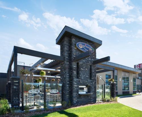 Best Western Plus Edmonton Airport Hotel Photo
