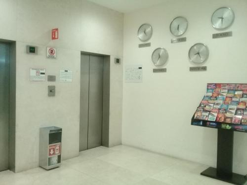 We Hotel Aeropuerto Photo