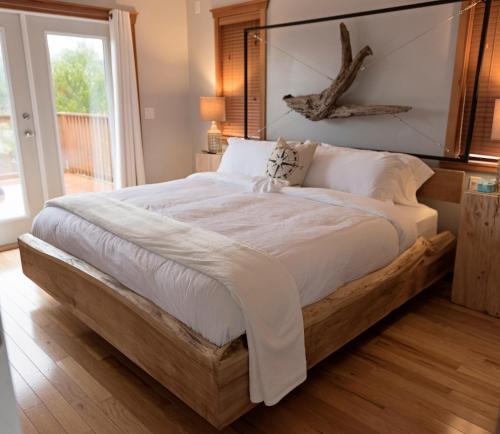 La Mer Inn-seaview Suite - Ucluelet, BC V0R 3A0