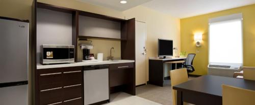 Home2 Suites by Hilton Greensboro Airport Photo