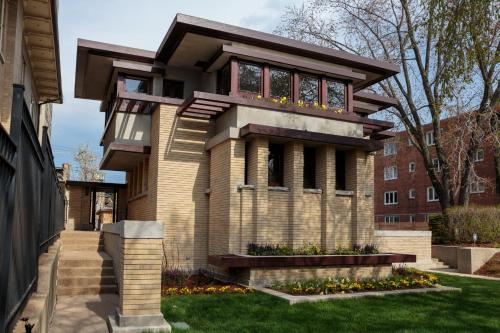 Frank Lloyd Wright\'s Emil Bach House
