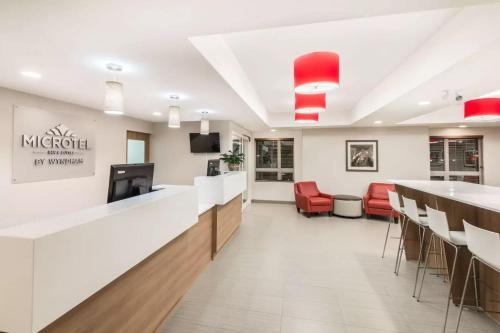 Microtel Inn & Suites by Wyndham Sudbury Photo