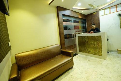 HotelOnyx Residency