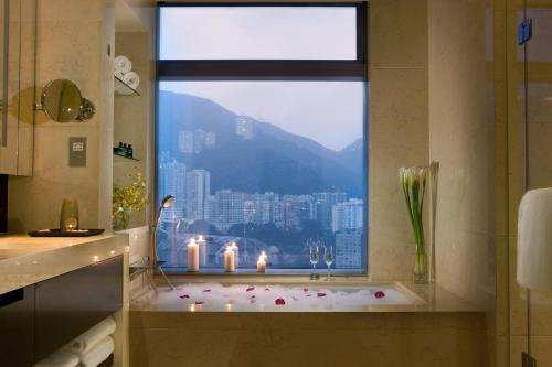 Crowne Plaza Hong Kong Causeway Bay photo 12