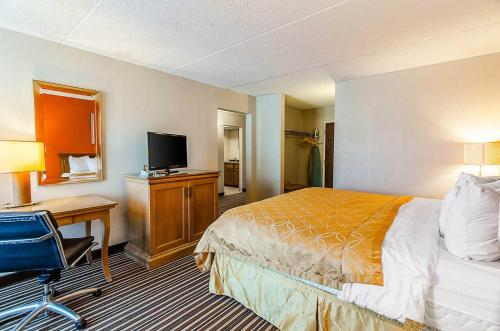 Econo Lodge Inn & Suites - Norton Photo