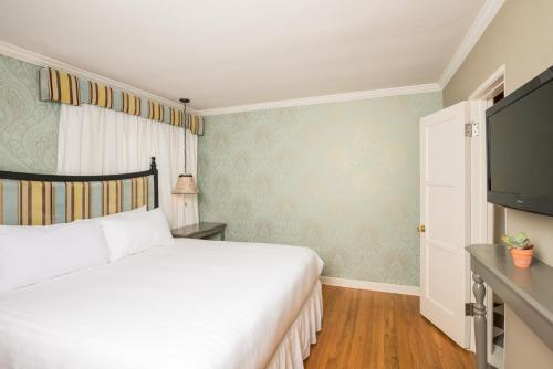Lafayette Hotel - San Diego, CA 92104