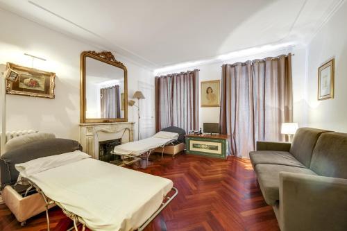 Place des Vosges Apartment ID96 photo 8