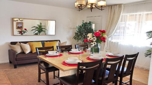 Spacious 3 Br House In Glendale