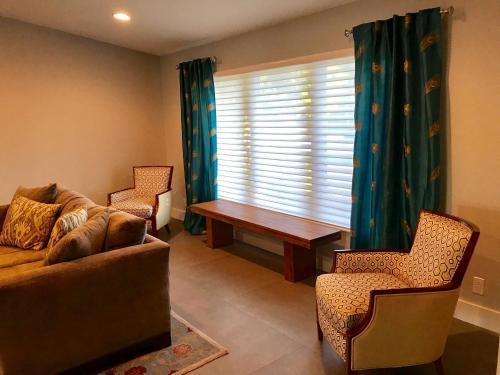 Villa On The Canal - Delray Beach, FL 33483