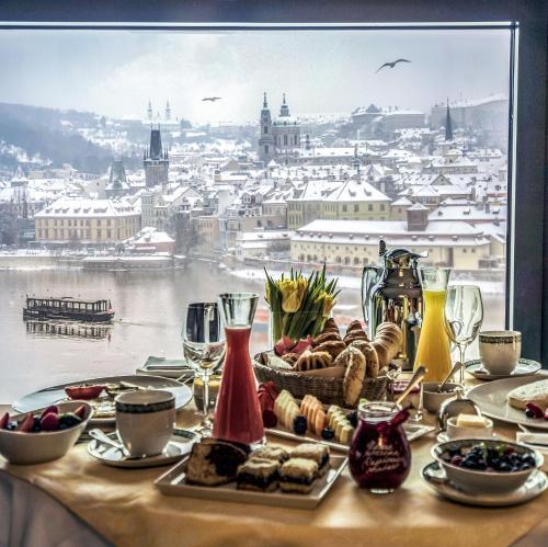 Four Seasons Hotel Prague - 39 of 81