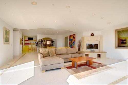 Villa Calcare - Malibu, CA 90265