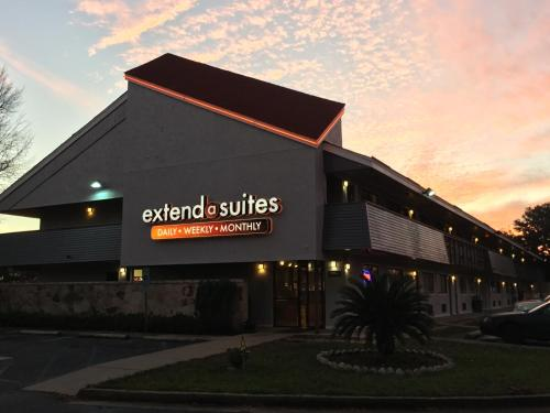 Extend-a-Suites Mobile North Photo