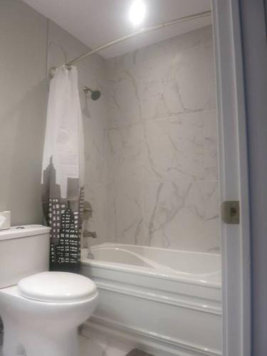 #4 -+ Luxury! Brand New! Condo In The Mile End.