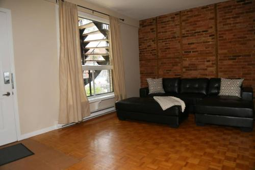 #33 -+ Spacious & Clean 2bd Apartment Parking Included!