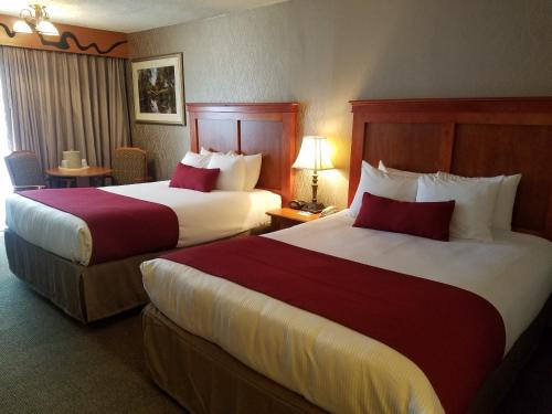 Best Western Plus Rivershore Hotel Photo