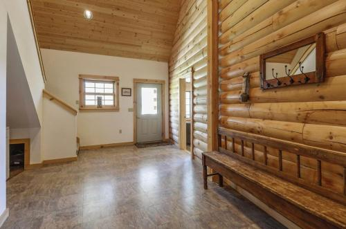 Snow Goose Cabin Photo