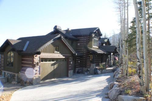 Three Peaks Mountain Lodge - Silverthorne, CO 80435