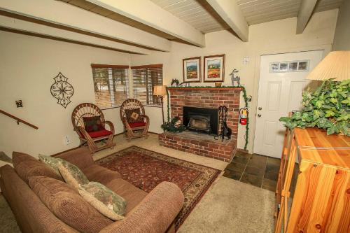 Red Door Cabin #1495 Photo
