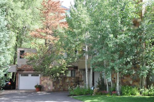 Home On Vail Golf Course - Vail, CO 81657
