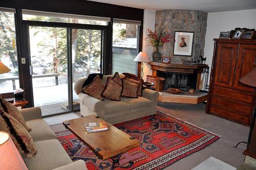 West Vail Gore Creek Townhouse - Vail, CO 81657