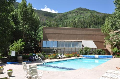 Summer & Winter Vail Vacation Condo - Vail, CO 81657