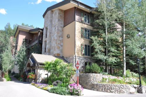 Condo In The Heart Of Vail Village - Vail, CO 81657