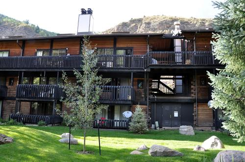 Condo Overlooking Gore Creek - Vail, CO 81657