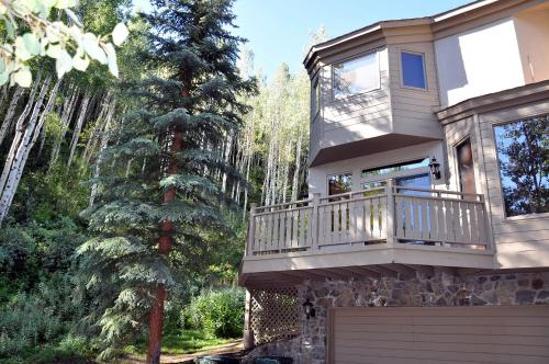 Luxe Townhouse On The Links - Vail, CO 81657