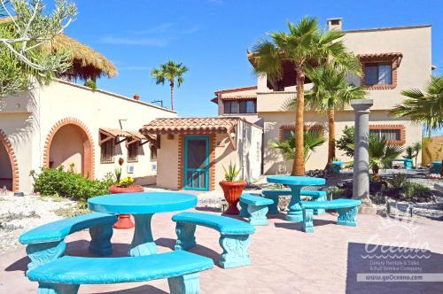 Hacienda del Mar- Courtyard 2 Photo