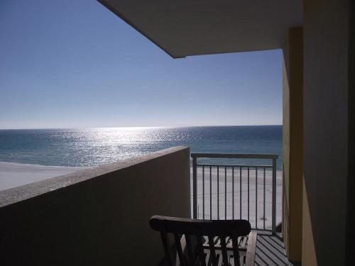 Pelican Isle 401 Photo