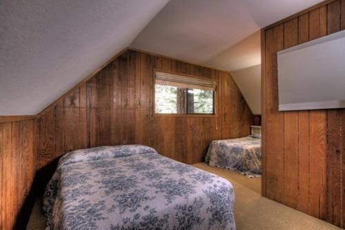Jerves Tahoe Vacation Cabin Photo