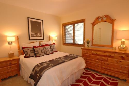 Cimarron Lodge #15 - Telluride, CO 81435