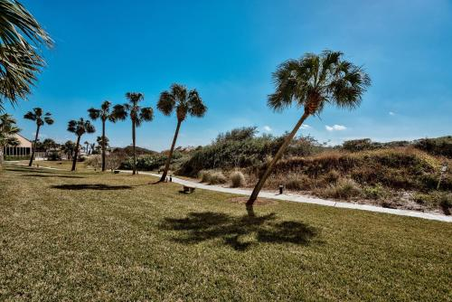 Beach Manor @ Tops'L - 112 Photo