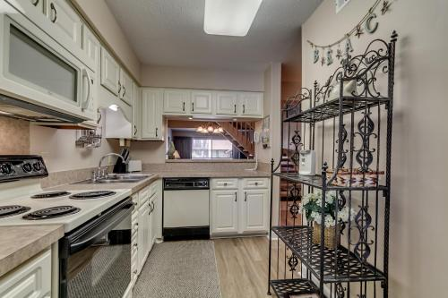Anchorage II C03 Apartment Photo