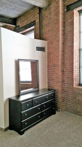 Cork Factory Apartment - Pittsburgh, PA 15222