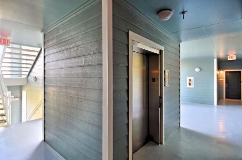 Seaglass Oasis Condo - Galveston, TX 77554