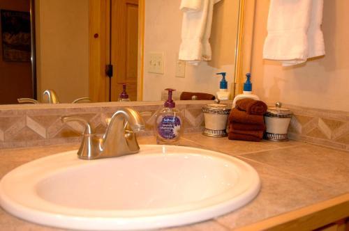 Viking Lodge 311 Apartment - Telluride, CO 81435